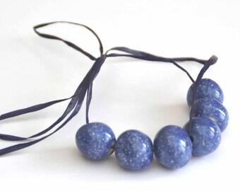 Handgemaakte Keramische Kralen Rond in Blauw met Witte Vlekjes