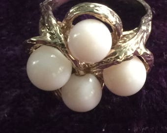 White coral dinner ring in 14 kt gold,circa 1950s