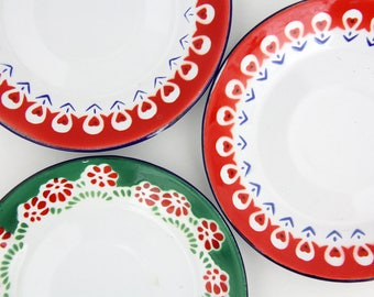 3x Vintage Enamel Saucers // Small Enameled Plates // Trinket Tray // Ring Dish //  Set of Three