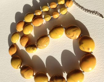 Necklace  - marbled faux amber plastic beaded necklace retro design