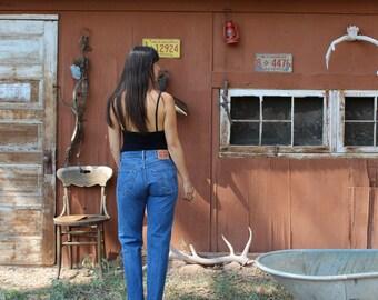 LEVIS 501 denim jeans // high waisted jeans // vintage levis 501