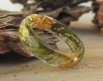 moss ring, him her nature resin ring, terrarium gift, nature inspire resin ring, outdoor gift, resin ring, thin resin ring, faced resin band