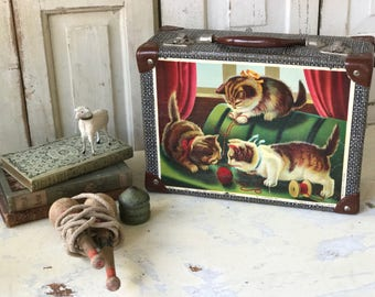 A lovely vintage child's suitcase
