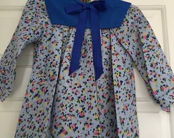 Beautiful vintage 1970s ditsy Floral girls dress