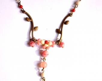 Romantique Collier fantaisie Douceur rose poudre de style vintage / rétro / shabby chic / Art Nouveau