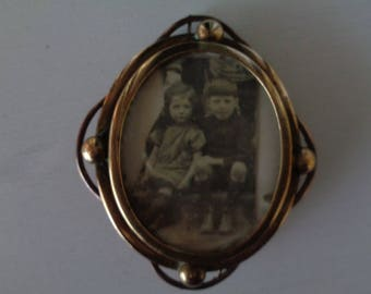 English Victorian Rolled Gold Locket/Brooch 1890-1900