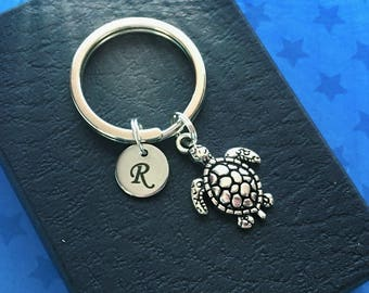 Personalised turtle keychain - Turtle keyring - Diving gift - Initial keychain - Scuba diving gift - Stocking filler - Stocking stuffer - UK