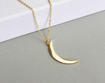 Crescent Moon Moon Circle-Gilded necklace