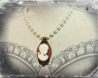 collier rétro , inspiration classique , Camée  , chic et élégant , personnalisable