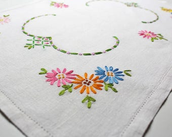 Floral Embroidered Doily, English, Floral, Vintage Linen, Dresser Scarf, Collectible, Hostess Gift, Cottage Decor, Granny Chic, Shabby