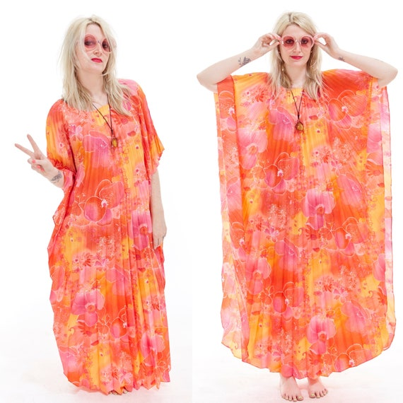 Vtg 70s ACCORDION PLEAT CAFTAN Maxi Goddess Dress Resort Wear Botanical Floral Print Pastel Peach Hippie Boho Gypsy Festival Beach Coverup