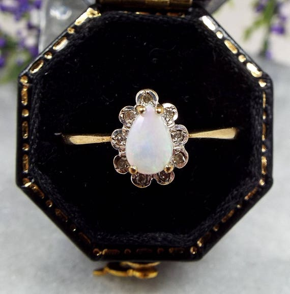 Vintage 1984 9ct Yellow Gold Genuine White Opal & Diamond Tear Drop Ring Size P