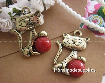 Set of 2 cats charm pendants with artificial turquoise red (BFACD)
