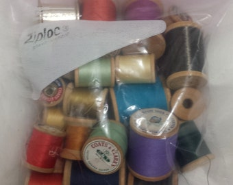 VINTAGE Thread - Wooden Spools - Variety of Colors - Craft Supplies DIY Decoration Gift