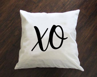 XO Pillow - Throw Pillow - Accent Pillow with Zipper Closure - 18 x 18 Throw Pillow - Funny Pillows - Home Decor