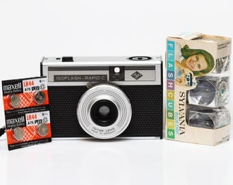 Vintage Agfa IsoFlash Rapid C Film Camera with Flash Cubes & New Batteries Made in Germany 1960s Fully Operational