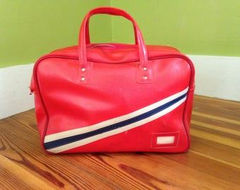 vintage red vinyl flight bag / carry on / luggage / purse