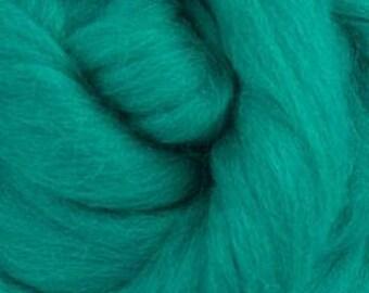 Corriedale Wool Roving (Sliver) in Jade- 2 oz - World of Wool product