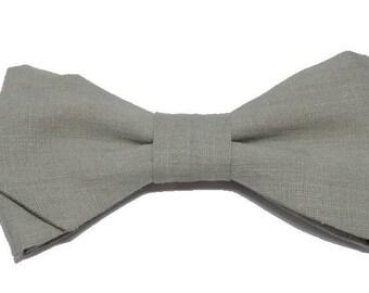 Light green linen bowtie with sharp edges
