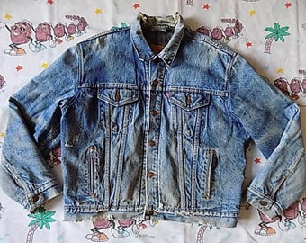 Vintage 90's Levi's Blanket Lined denim Jean Jacket, size XL thrashed Worn in Red Tab USA made