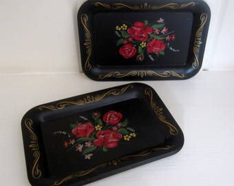 """Set of 5 Vintage Mini Floral Rose Pattern Center and Gold Border Shabby Chic """"Tip"""" Trays"""