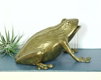 Brass Frog, Vintage Bullfrog Figurine, Brass Animals, Amphibian, Fairy Tale Creatures, Whimsy Accents, Home Decor, Glam Animal, Froggy