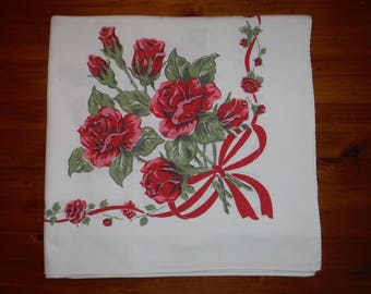 Vintage Red U0026 Pink Roses Tablecloth   Mid Century Rose Roses Cotton  Broadcloth Tablecloth   Vintage