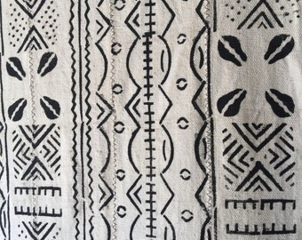 mali mudcloth fabric Textile colors is white with black,