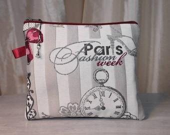"flat clutch in fabric ""PARIS"" fashion week, elegant, practical"
