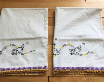 Vintage 1950s White Embroidered Kitten Cat Pillowcases!