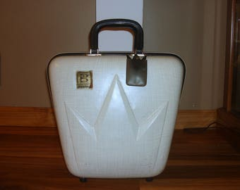 Vintage Brunswick Ivory Hard Shell Single Ball Bowling Bag