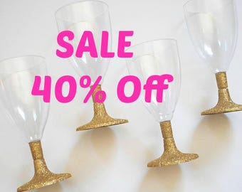 Gold Glitter Plastic Wine Glasses