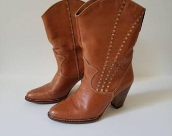 Vintage Tan Cowboy Boots / Size 7 / Dakota / Leather Boots / Boho Cowboy Boots
