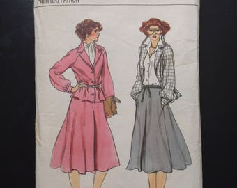 1970's Vogue Pattern # 7021 Jacket and Skirt, Misses Size 14