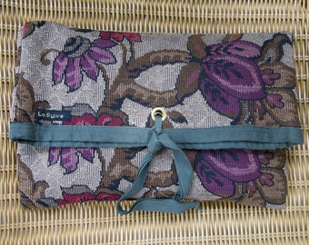"""""""FLOWERS"""" TAPESTRY CLUTCH"""