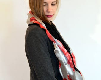 grey and red snood