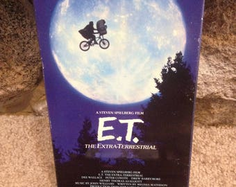 E.T. The Extra Terrestrial VHS 1988 by Steven Spielberg with Drew Barrymore