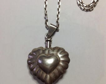 SALE15% Taxco silver heart shaped pendant with chain, Taxco jewelry, perfume bottle, Mexican silver