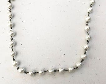 """20"""" white pearl necklace"""