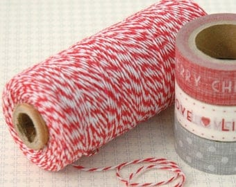 Roll of 200 m of fine red and white twine baker thread