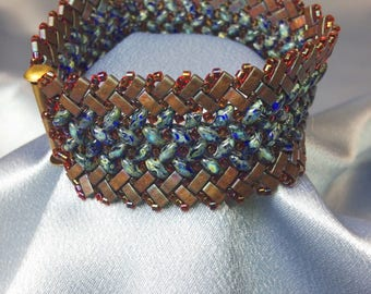 Hyacinth-Herringbone Woven Beaded Bracelet