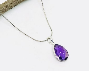Amethyst Pendant/ necklaces set in Sterling silver 925. Natural authentic faceted amethyst stone. Length - 1 inch long.