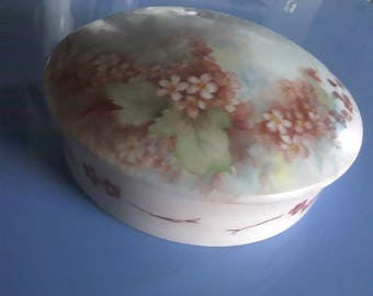 Vintage Limoges Vanity Box, Powder Box, Trinket Box, Hand painted-Artist signed