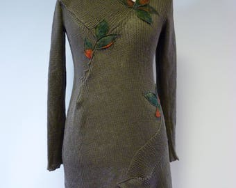 The hot price. Artsy handmade khaki linen sweater with felted flowers, L size.