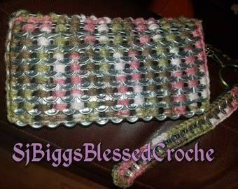 Pink camo crochet pop tab wristlet wallet. Small wallet will hold credit cards and checkbook or cellphone.