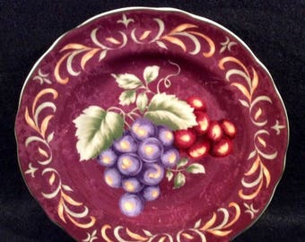 """ON SALE Noble Excellence NAPA Valley Burgundy Accent Salad Plate Dinnerware Grapes Purple/Red with Green Leaves Excellent Condition 9"""" in di"""