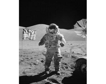Black and White Astronaut Print, Vintage Astronaut Art Prints, Astronaut Wall Art, Astronaut Poster, Astronaut Photography