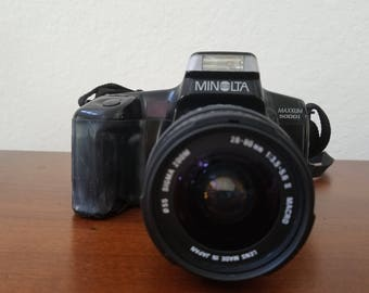 Minolta Maxxum 5000i 35mm SLR Film Camera w/ 28-80mm Lens