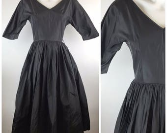Vintage 1950s Gigi Young Black Taffeta Party Dress Formal V Neck Ball Gown Size 14 Women's