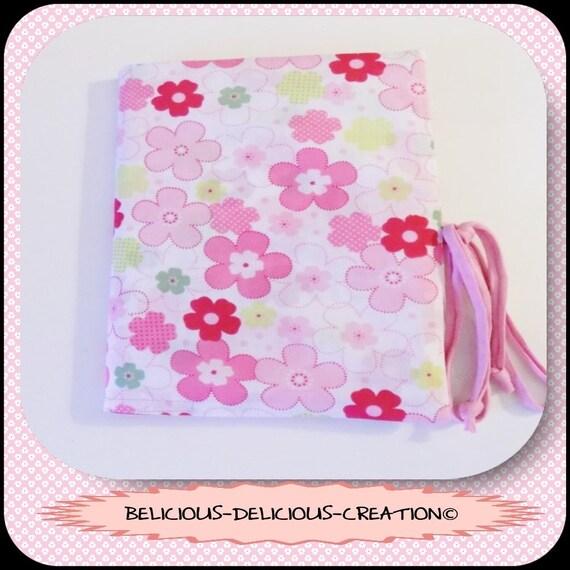 Original Protege carnet de sante Bebe ou Enfant !! FLOWER POWER !! en Coton Rose Taille: 23.5cm x 16.5cm